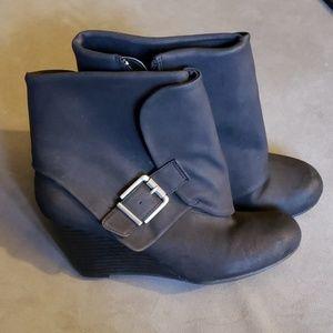 American Rag booties, size 8.5